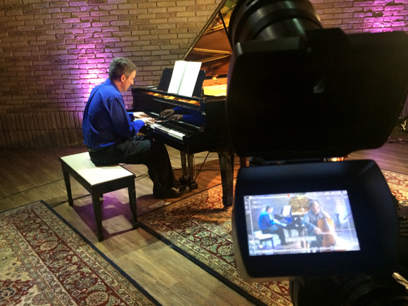 video and piano at sessions at the loft